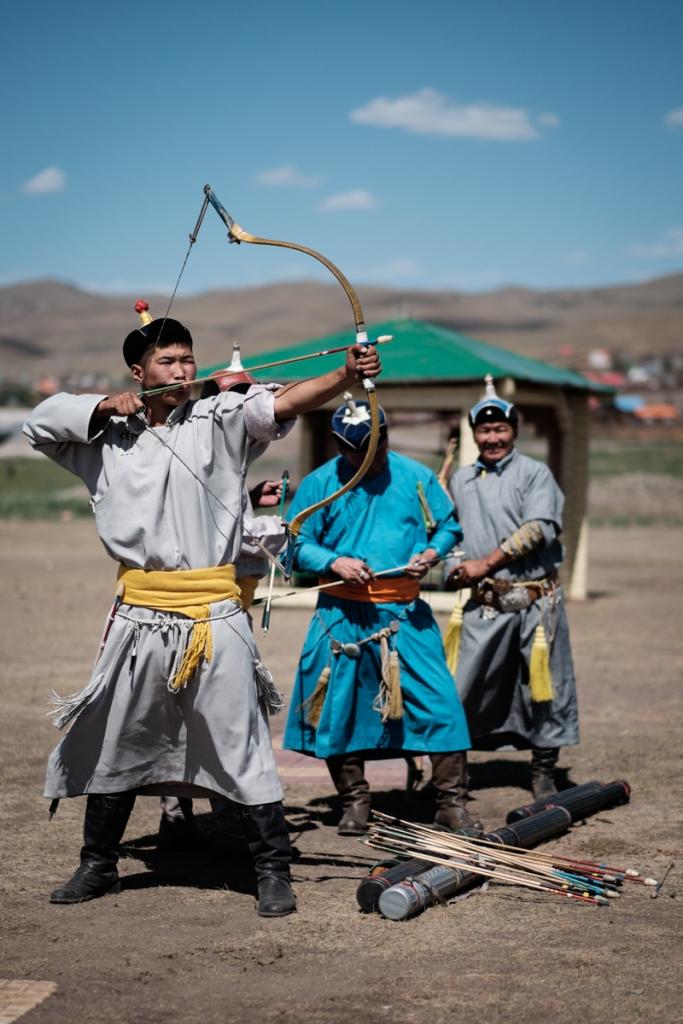 Mongolia-Naadam-Archery2