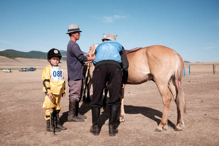 Mongolia-Naadam-Horse-Race3