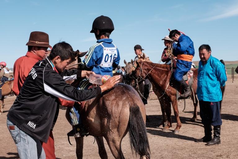 Mongolia-Naadam-Horse-Race5