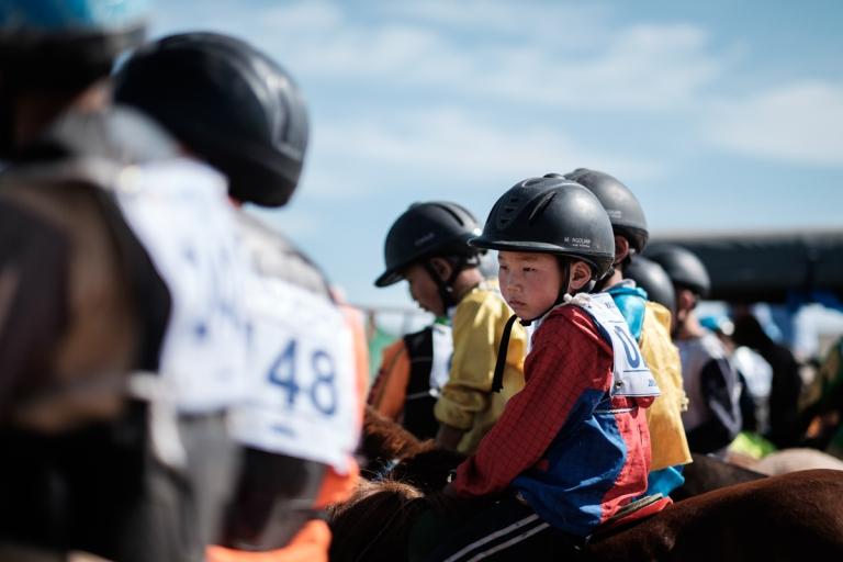Mongolia-Naadam-Horse-Race9