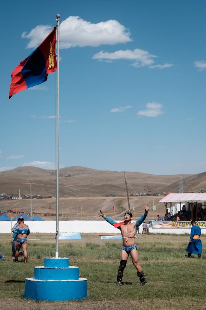 Mongolia-Naadam-Wrestling-Match2