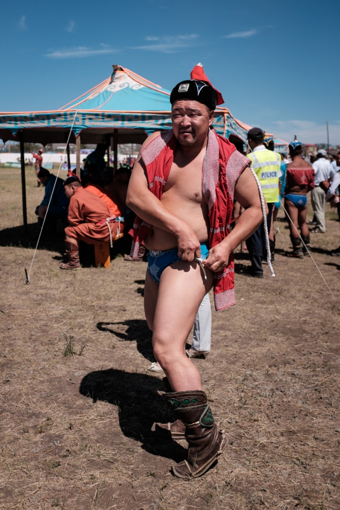 Mongolia-Naadam_Wrestlers5